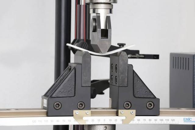 Ensaios mecânicos tração e compressão